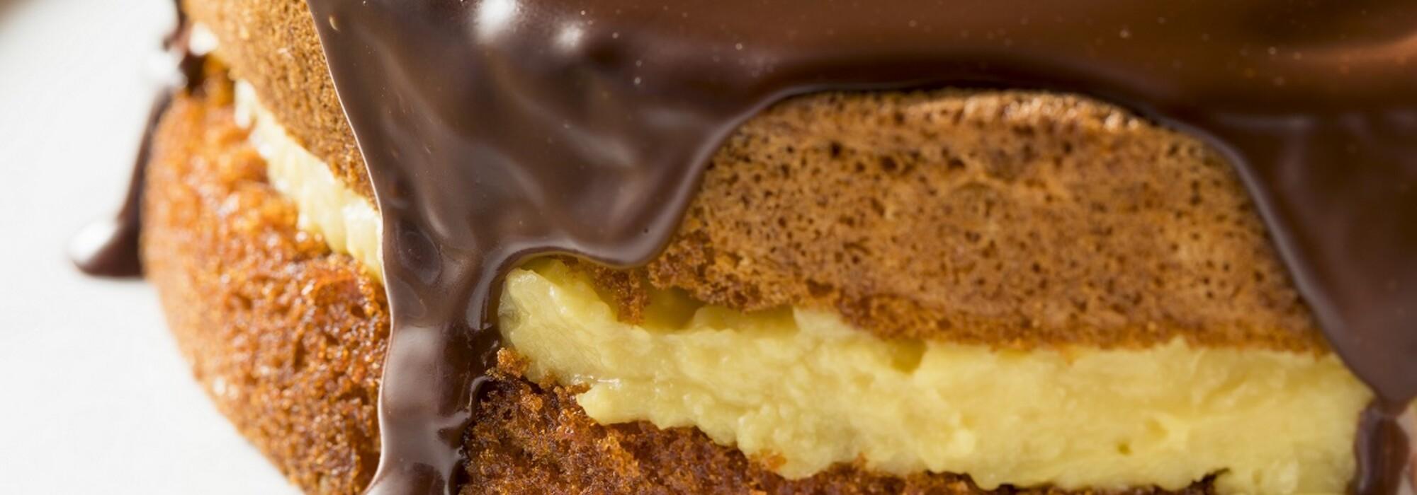Koolhydraatarme en suikervrije Boston Cream Pie