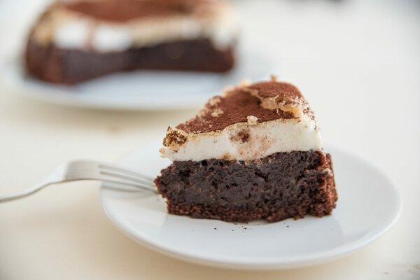 Koolhydraatarme chocoladetaart met meringue