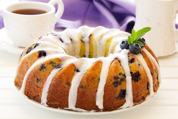 Koolhydraatarme en suikervrije tulbandcake met blauwe bessen
