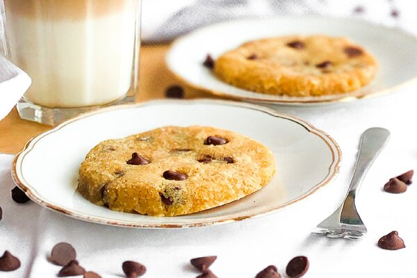 Koolhydraatarme 1 minute chocolade chips cookies
