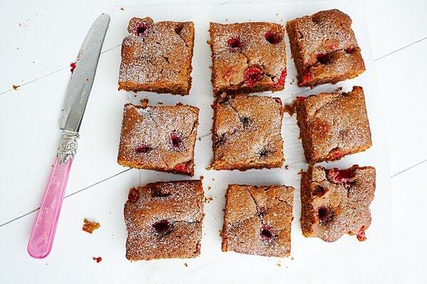 Suikervrije brownie met frambozen