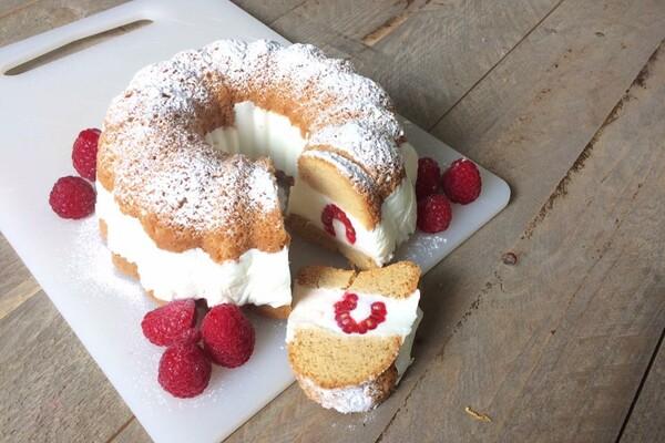 Koolhydraatarme tulband cake met framboos